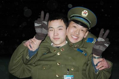 军人帅哥图片大全大图 中国军人图片大全大图 军人敬礼图片大全大图图片