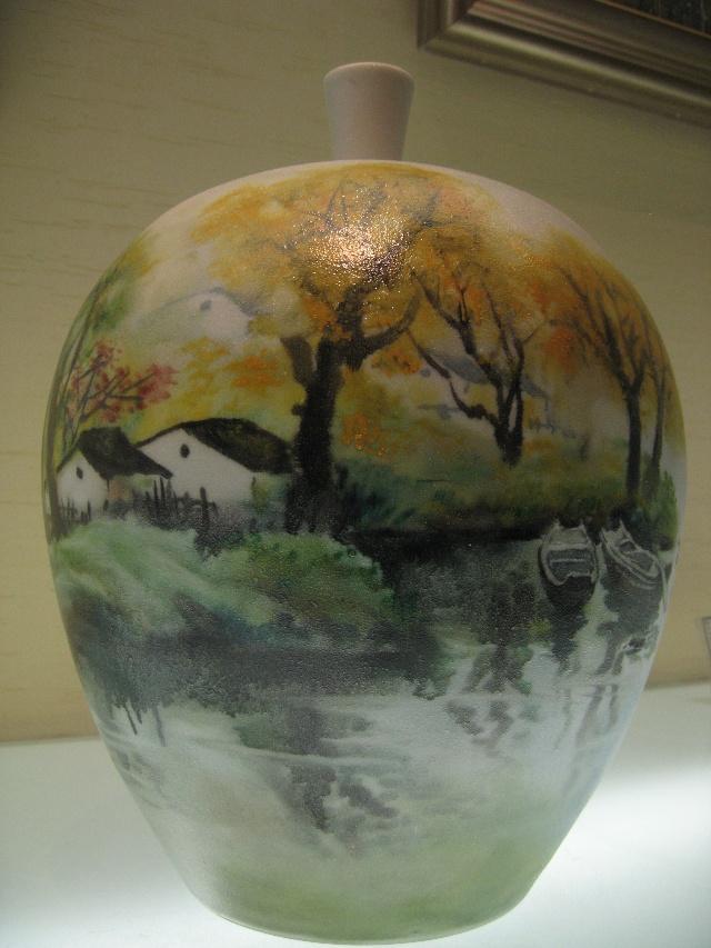 不论制造哪一种陶瓷,都要经过成坯,上釉,彩绘,煅烧几个步骤.