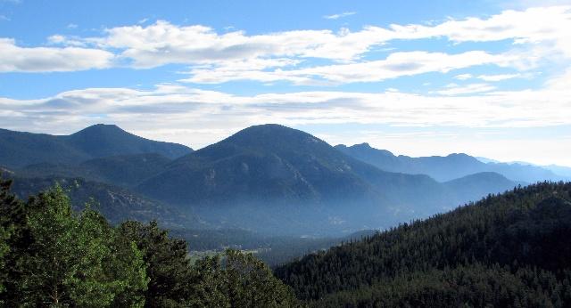 蓝色的洛基山脉
