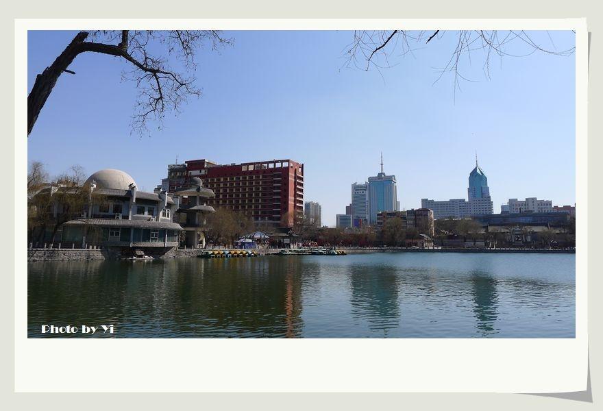 攝于2012年3月24日太原兒童公園文瀛湖畔 &