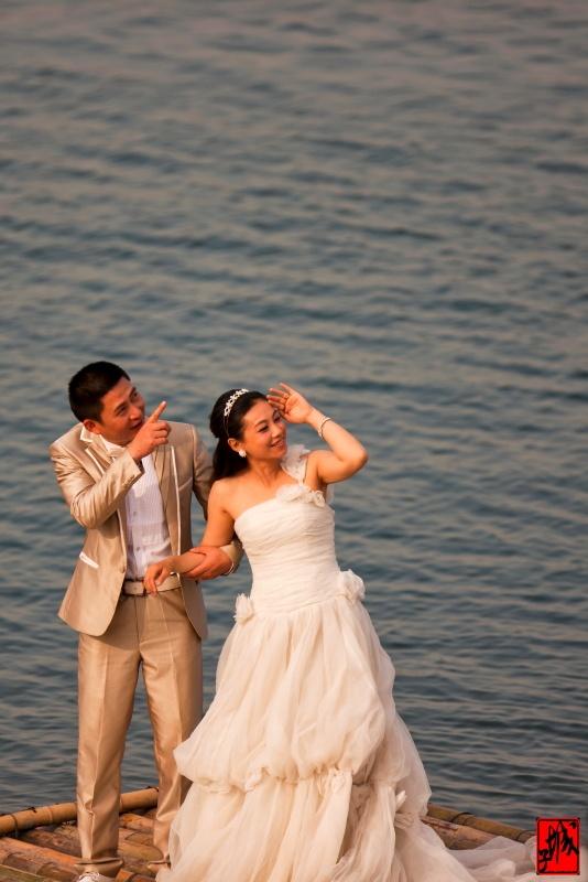 我们乘车赴仙海拍摄湖岸,樱花,水鸟,晚霞,呵呵,还蹭拍了不少婚纱片片.