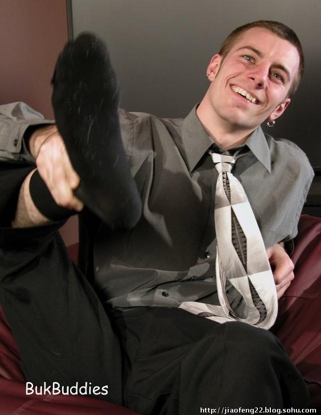 黑袜子帅哥臭脚相册 足球帅哥臭袜子图片 武警臭袜子图片