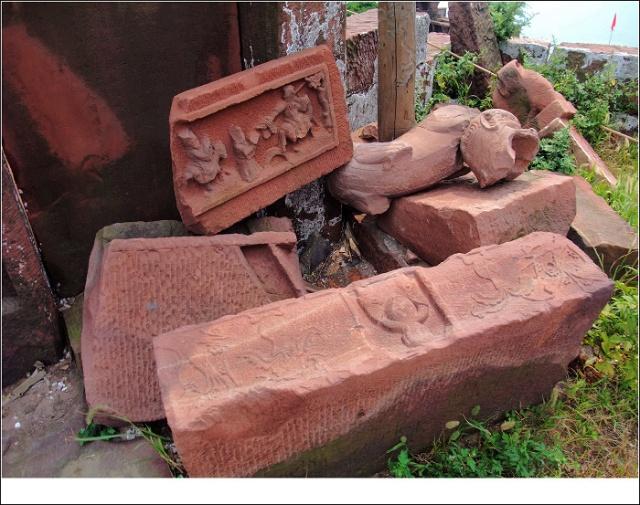 星子宫古建筑群中的各类石雕,工艺都相当精湛,有着极高的艺术