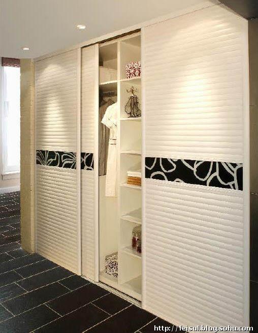 市面上的衣柜板材主要采用人造板,而采用实木的很少.