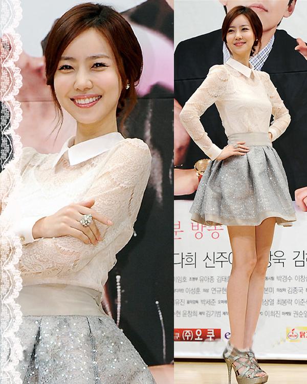 韩国美女明星教您蕾丝裙衫搭配法则