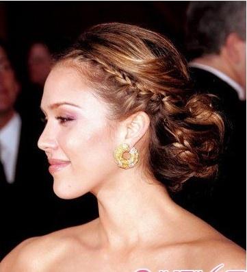 新娘盘头发简单好看的步骤图片